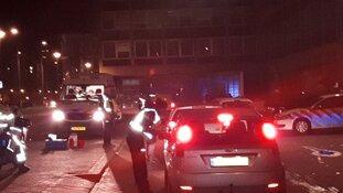 Vrijdagmiddagborrelaars lopen tegen lamp in Dordrecht