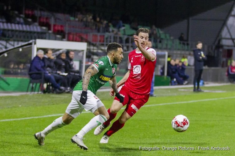 FC Dordrecht bekert verder door hattrick Achahbar