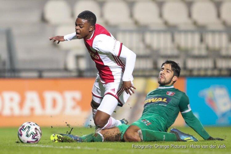 Jong Ajax koploper na winst op FC Dordrecht